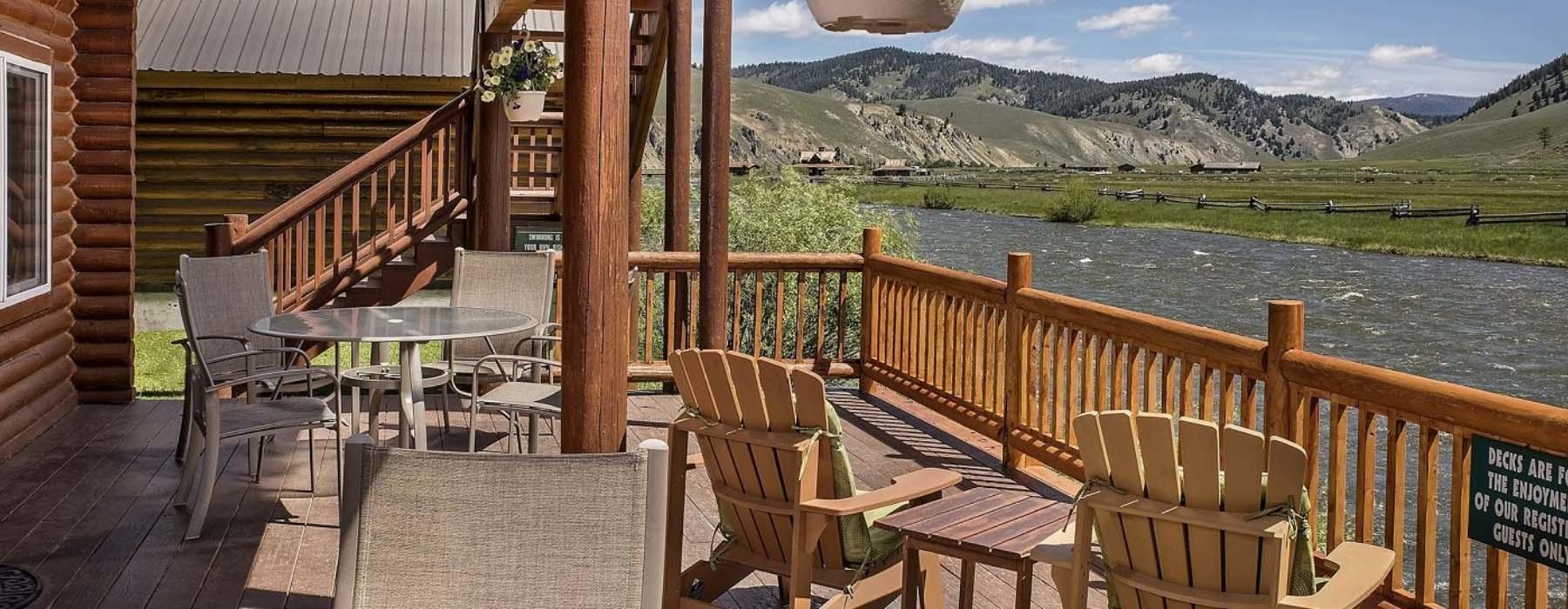 Backdeck overlooking Salmon River at Redfish Riverside Inn