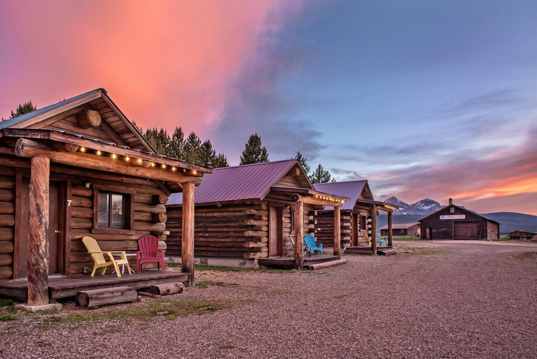 Triangle C Cabins Exterior